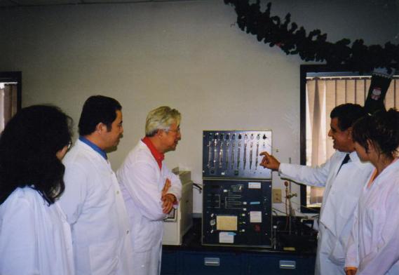 中央电视台著名主持人陈铎先生采访美国Wangson生物工程研究院